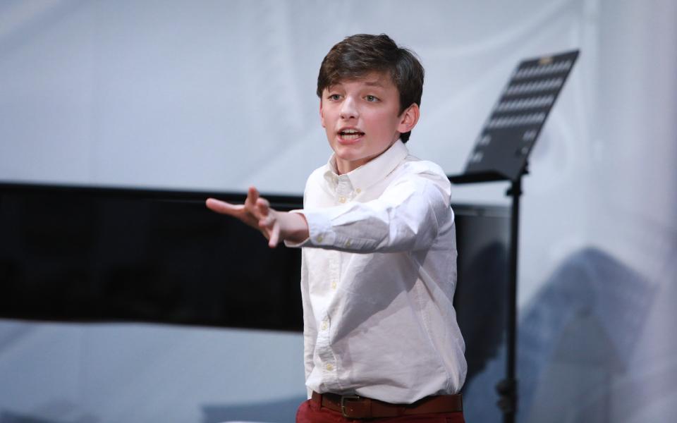 aef-boy-singing